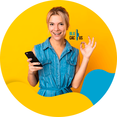 BluCactus - Focus on mobile optimization - A woman using her phone
