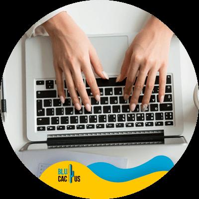 BluCactus - Blogging - Person using a laptop
