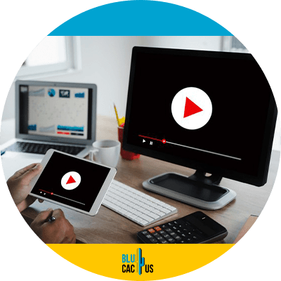 BluCactus - Video marketing - A computer and a smartphone playing a video